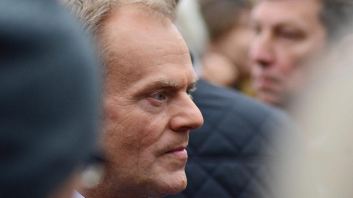 Prof. Aleksander Hall: Wyimaginowana klasa średnia? To o nią także walczy dziś Tusk.